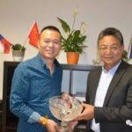 中国新闻界代表团访问《布拉格时报》